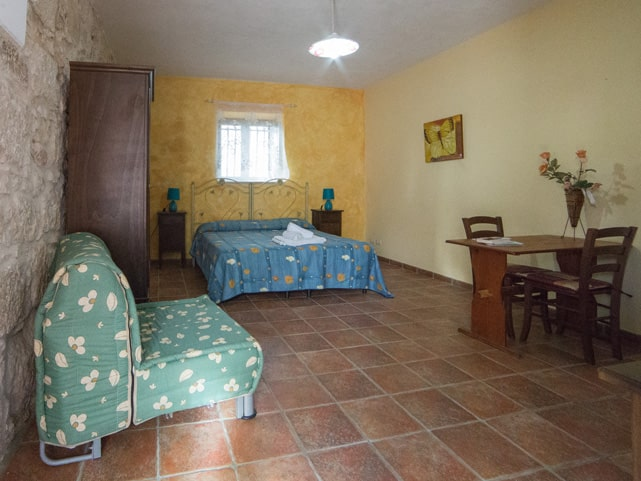 double-bed-ragusa-ibla-casale