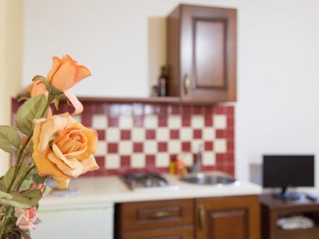 appartamento-matrimoniale-con-cucina-e-bagno-in-camera-a-ragusa