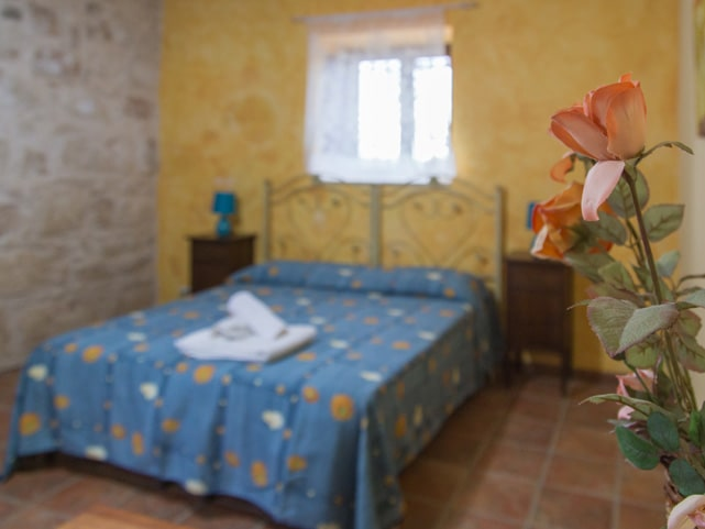 holiday-home-double-bed-montalbano