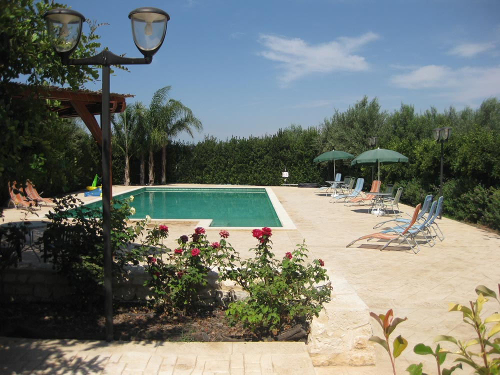 holiday-home-with-pool-summer