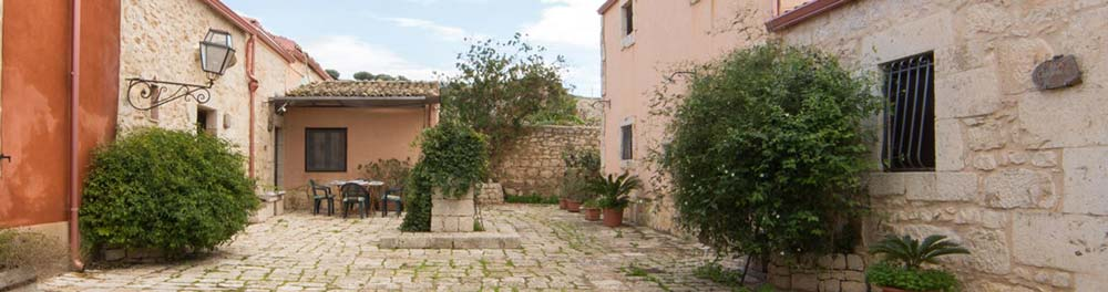 courtyard-casale-imperatore